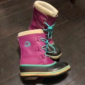 Sorel girls size 4 good used condition